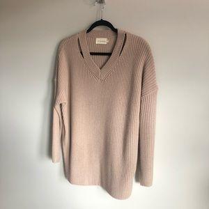 Dreamers v-neck sweater